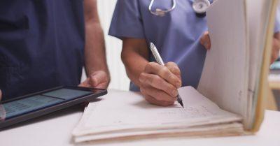 Negligencia médica por atención deficiente